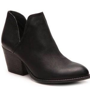 Steve Madden Adelphie Cut Out Bootie